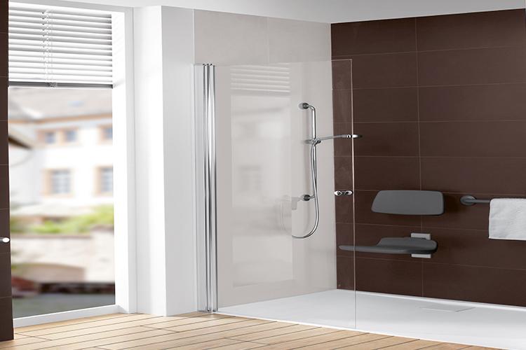 Barrierefreies badezimmer einrichten mit villeroy boch for Ausstattung badezimmer