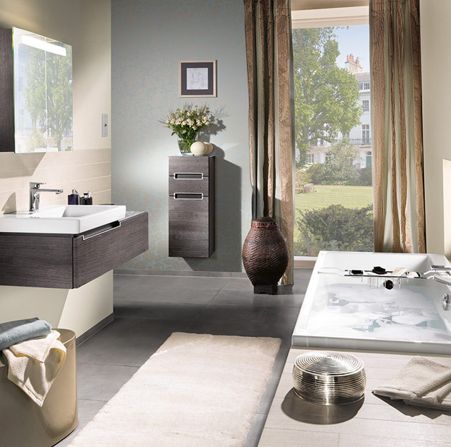 kleines bad mit badewanne was ist m glich villeroy boch. Black Bedroom Furniture Sets. Home Design Ideas